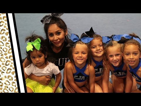 "Nicole ""Snooki"" Takes Her Daughter Cheerleading!"