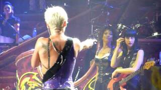 P!nk in Melbourne, July 15, 2009 - Crazy Video