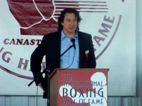 2009 International Boxing Hall Of Fame: Burt Young & Federico Castelluccio