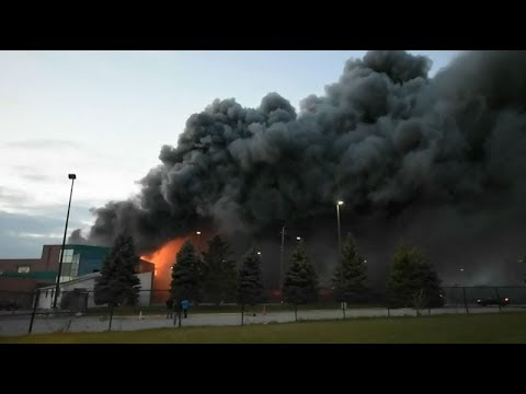 3-alarm fire breaks out at Burlington, Ont. food plant