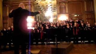 Il est ne, le divin enfant. Chorale Cite Universitaire 2010