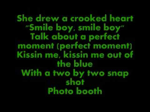 Photobooth-The Carter Twins Lyrics