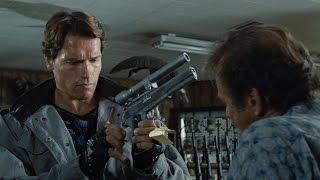 Терминатор покупает оружие в оружейном магазине. Терминатор. 1984