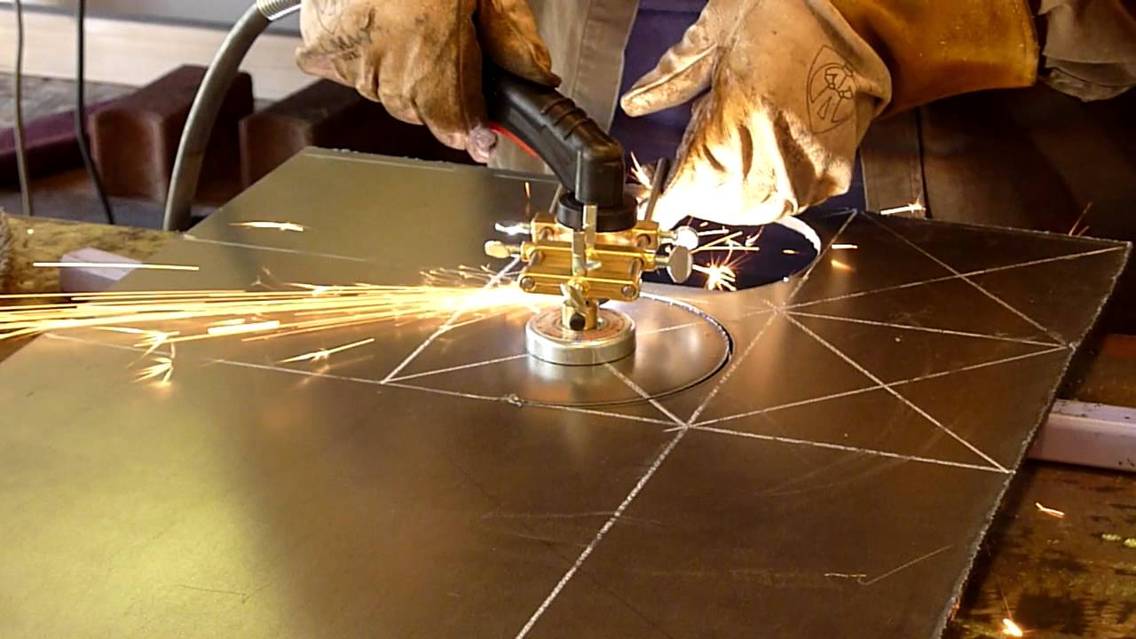 Cutting Circles In 1 4 Plate Steel With A Plasma Cutter