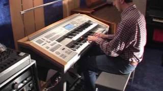 """""""Hello"""" (Lionel Richi) Yamaha Electone Stagea ELS-01C Organ Mladosevits"""