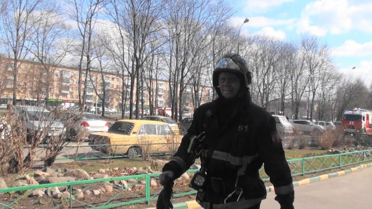 Пожар в подземном паркинге на севере Москвы. Один человек пострадал