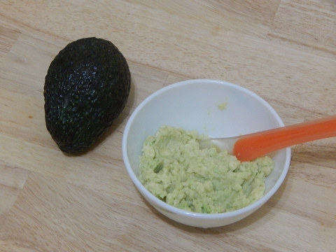 Healthy Baby Food Recipe How to Make Homemade Avocado Puree for Babies l 4+ or 6+ months