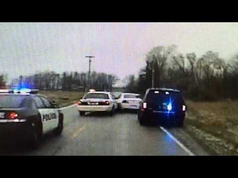 Police chase bank robbers from Shiawassee County to Saginaw County