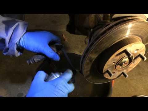 1996 Honda CRV Front brake pad and rotor change