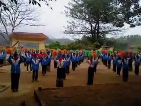 Múa hát sân trường - Tam Lư.MP4