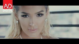 Repeat youtube video Nora Istrefi - Majëm