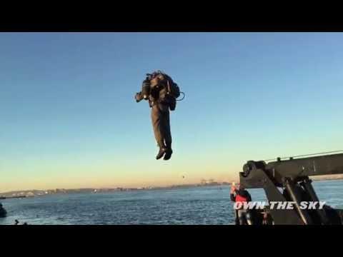 Flying Man In New York(uçan Adam)
