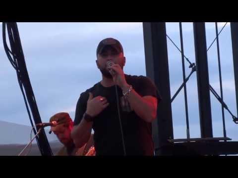 Tyler Farr - Whiskey in My Water (8/14/13)