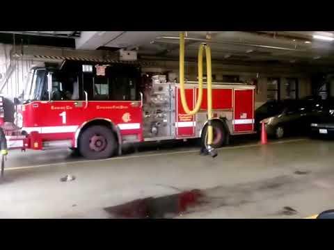 Chicago Fire Department Engine 1 Responding