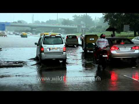 Waterlogging and traffic jam in Delhi