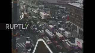USA: Emergency services help 103 injured in Brooklyn train derailment