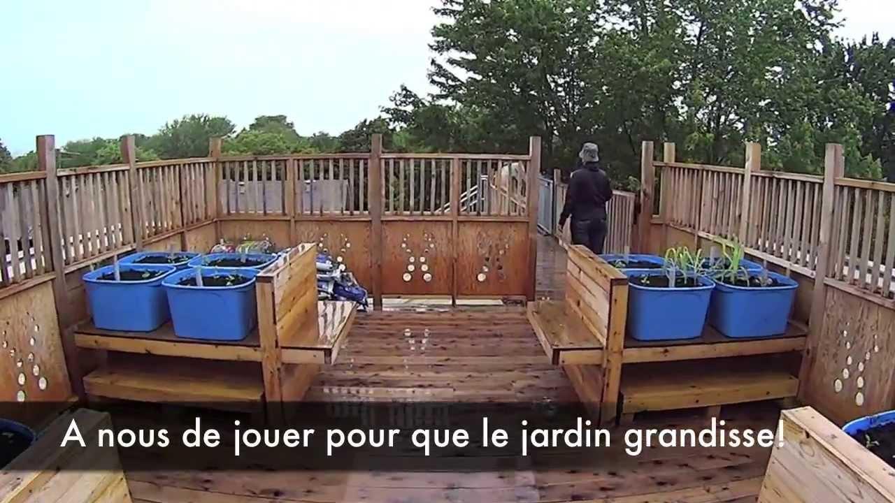 jardin sur le toit maison de l 39 enfance youtube. Black Bedroom Furniture Sets. Home Design Ideas