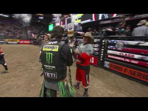 J.B. Mauney rides Brutus for 89 points