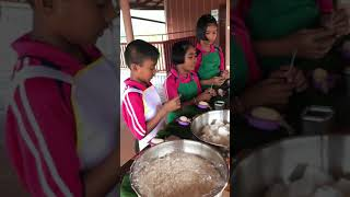 DIY Natural Candle and Soap workshop with students at Yaowawit School