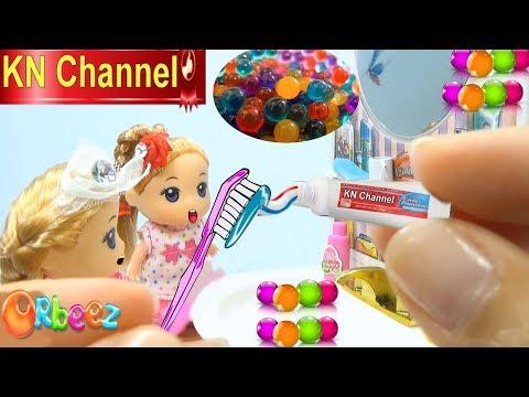 KN Channel GIÁO DỤC MẦM NON   BÚP BÊ BARBIE CHƠI BỒN TẮM HẠT NỞ   Đồ chơi trẻ em CỦA BÉ NA