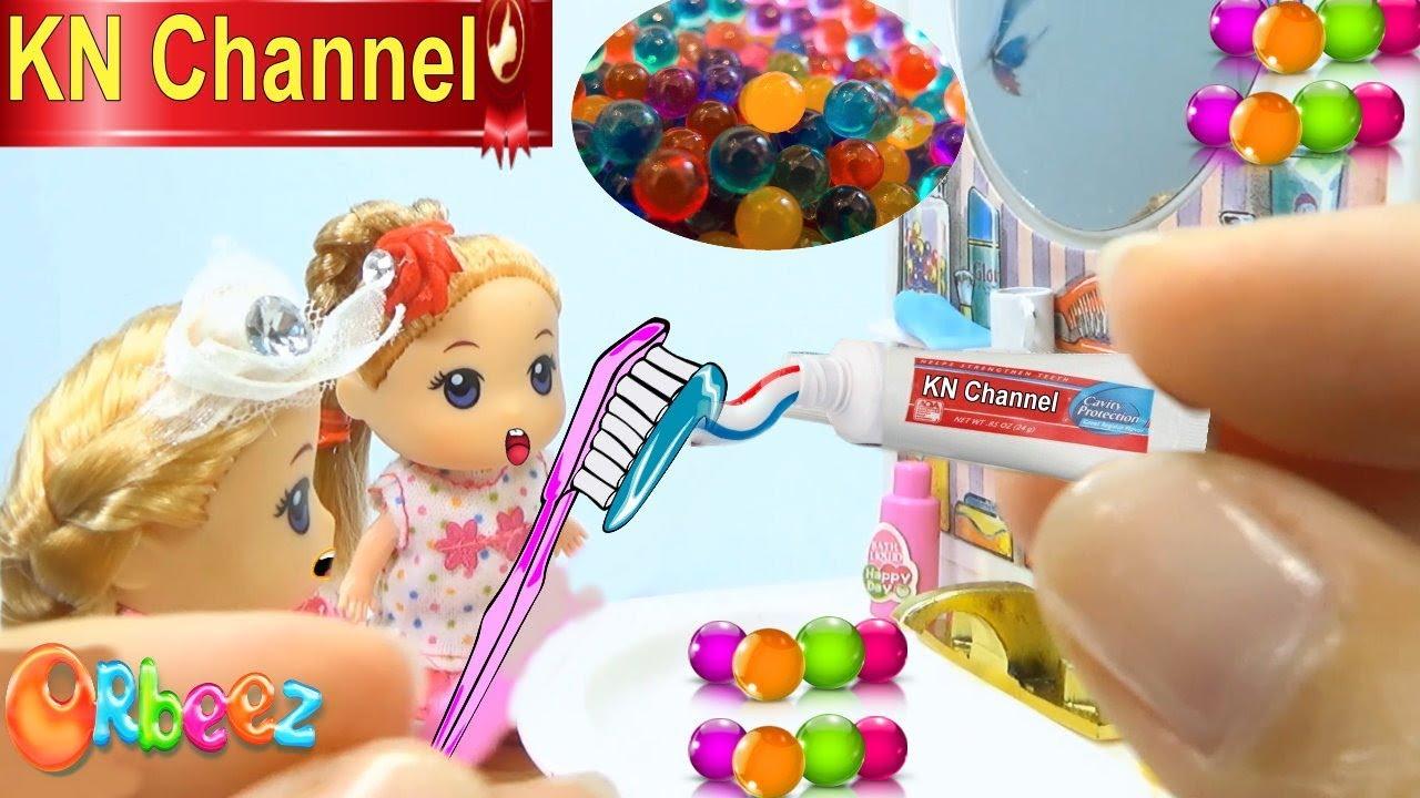 Download KN Channel GIÁO DỤC MẦM NON | BÚP BÊ BARBIE CHƠI BỒN TẮM HẠT NỞ | Đồ chơi trẻ em CỦA BÉ NA