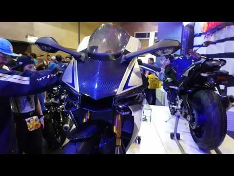 download Yamaha R1M 2018/Walkaround