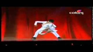 watch a great Salsa Dance, watch this Kid's performance..