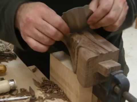 WOODCARVING ON FRENCH STYLE FURNITURE 1