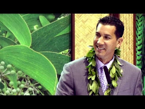 """Senator Kahele challenges Hawaii CC graduates to chase dreams with """"reckless abandon"""""""