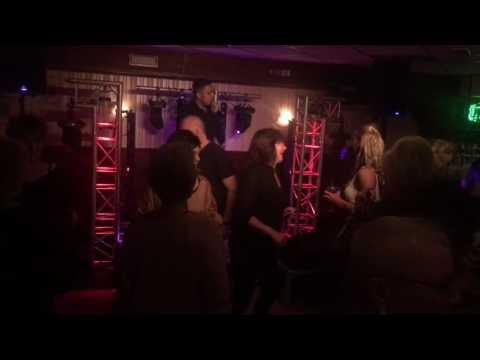 Mike Griek LIVE !   Zai zai zai remix   Cafe de Sjang