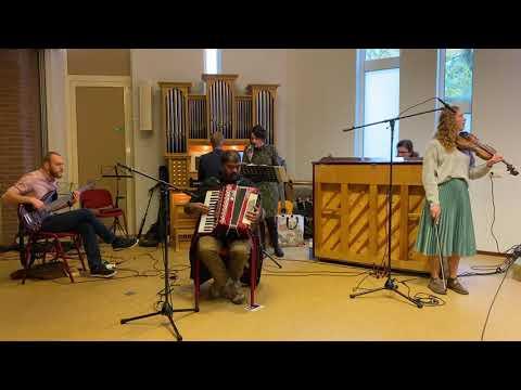 Geprezen zij God (Glorieklokken 1) | Muziekteam Stichting Heart Cry