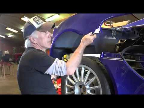 Lotus Elise, fitting a repaired rear clamshell