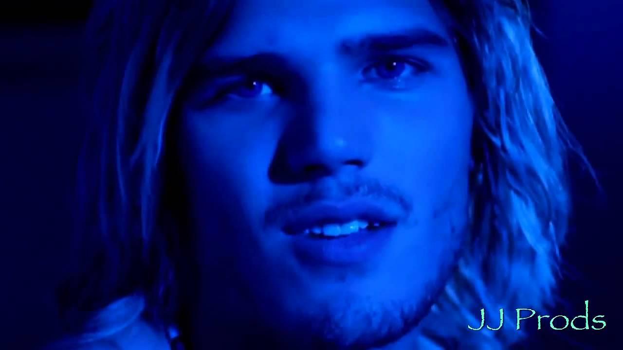 Chris Zylka In Kaboom - Youtube-3552