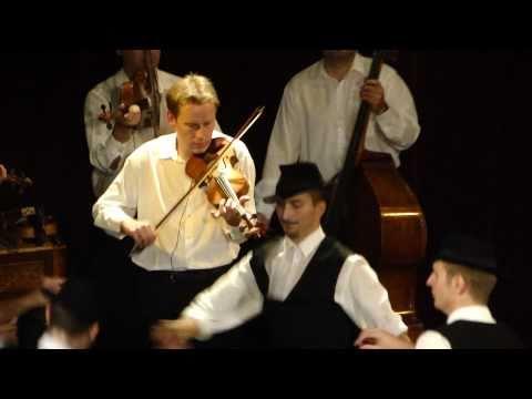 Hungarian Dance - Danube Folk Ensemble