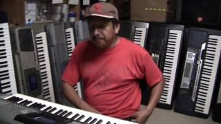 teclado yamaha psr 3000 con  ritmos latinos a la venta   843 367 1794