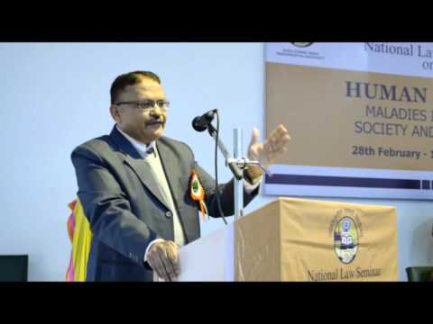 Hon'ble Dr  Satish Chandra Addressing Students Of Delhi Metropolitan Education