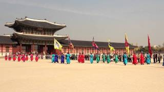 Video Sumunjang The Ceremony of Guard Cange GYEONGBOKGUNG PALACE 景福宮 ソウル download MP3, 3GP, MP4, WEBM, AVI, FLV Desember 2017