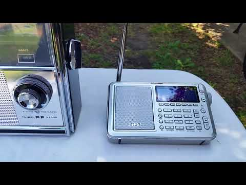 A look at an old school analogue shortwave radio
