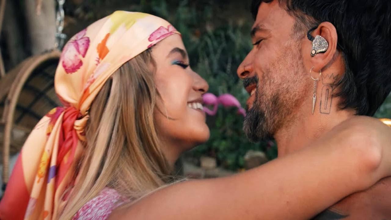Sofía Reyes & Pedro Capó - Casualidad  [Acoustic Video]