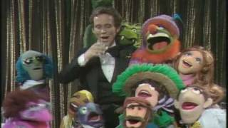 "The Muppet Show: Joel Grey - ""Willkommen"""
