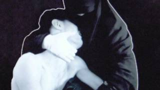 "Crystal Castles ""PALE FLESH"" Official"