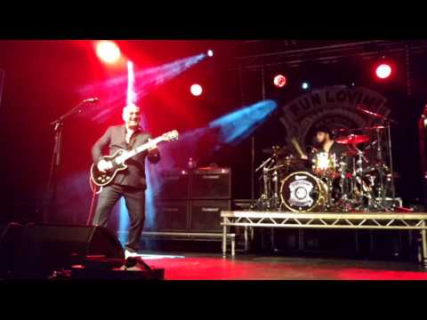 Fun Lovin Criminals   Scooby Snacks - Live in Lincoln 2017