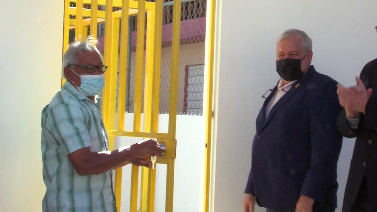 """Proyecto """"Mi Casa Resistente"""" entrega residencias a familias del Caño Martín Peña"""