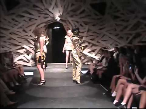 Enmore Design Tafe Calypso Voltage Fashion Show Performance