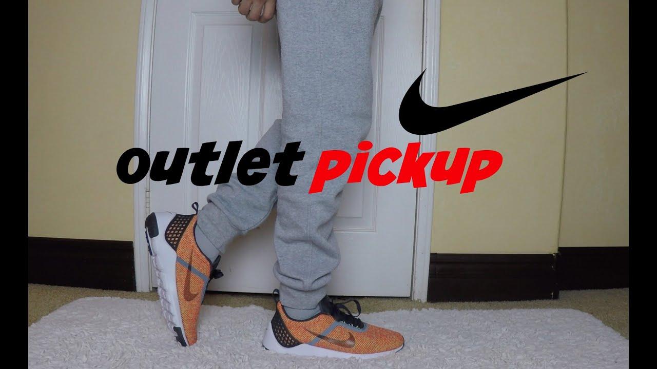 Nike Men's Lunarestoa 2 SE Running Shoe 8
