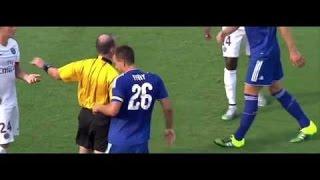Zlatan Ibrahimovic brutally elbowed John Terry PSG vs Chelsea 2015