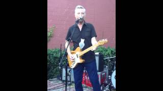 Billy Bragg - The Busy Girl Buys Beauty - Nashville, TN