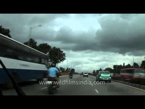 Vehicles moving freely in the city of Bengaluru