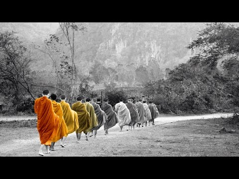 Buddhist Meditation Music: Buddhist Thai Monks Chanting for