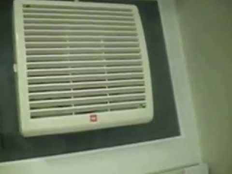15WHB 07 Window Mounted Exhaust Electric Fan In A Friendu0027s Bathroom